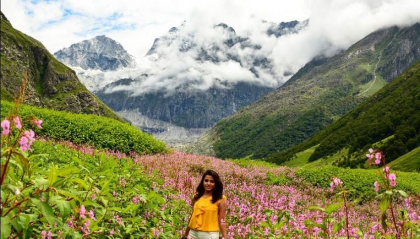 You Can See The Valley of Flowers Only By 31 October, 6750 Tourists Have Arrived So Far